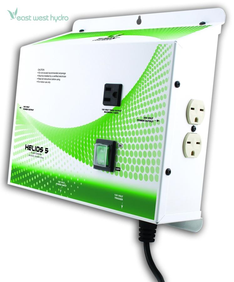 Titan Controls - Helios 5 - 4 Light Controller 240 V Outlet (702671)